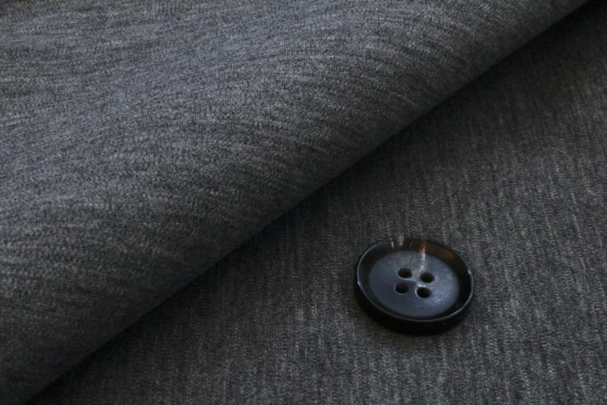 [オーダーレディーススーツ スカートセット]モクロディー素材(ニット)✕光沢感で快適なビジネスライフ