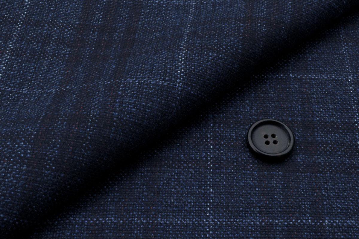 [オーダースーツ]シルク混スーツならではの高級感が際立つ!