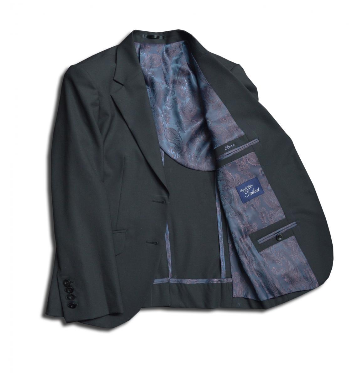 [オーダースーツ]ど定番といえば、黒ウール。ビジネスでも礼服でも一着は持っていたい。