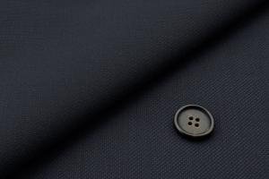 [オーダースーツ]清涼感のある素材で、夏でも快適な着心地をお届けします!