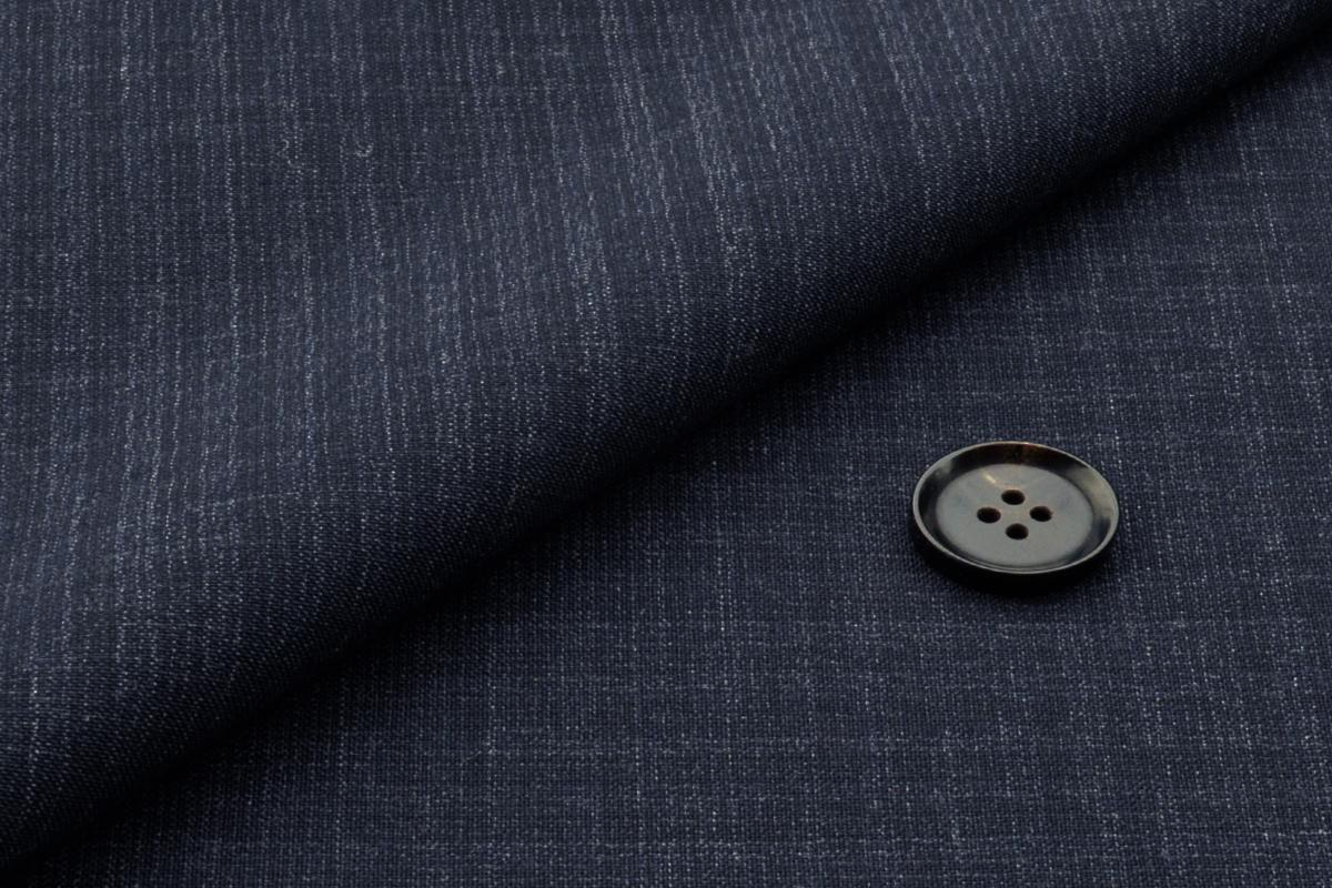 [オーダースーツ]細かくて上品なチェック柄×定番のネイビーで落ち着いた雰囲気