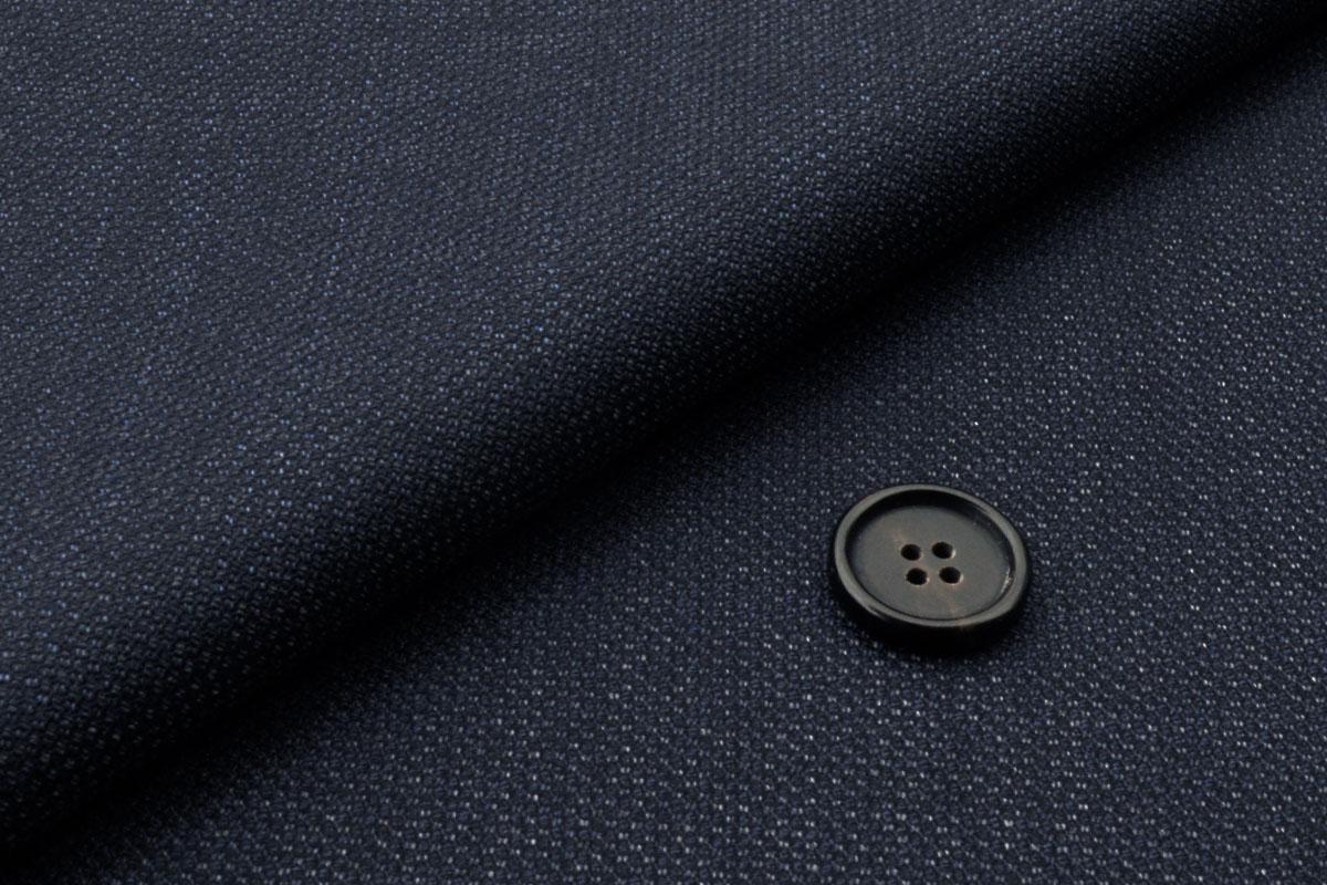 [オーダーレディースジャケット]ソフトなハリが心地よいネイビースーツ
