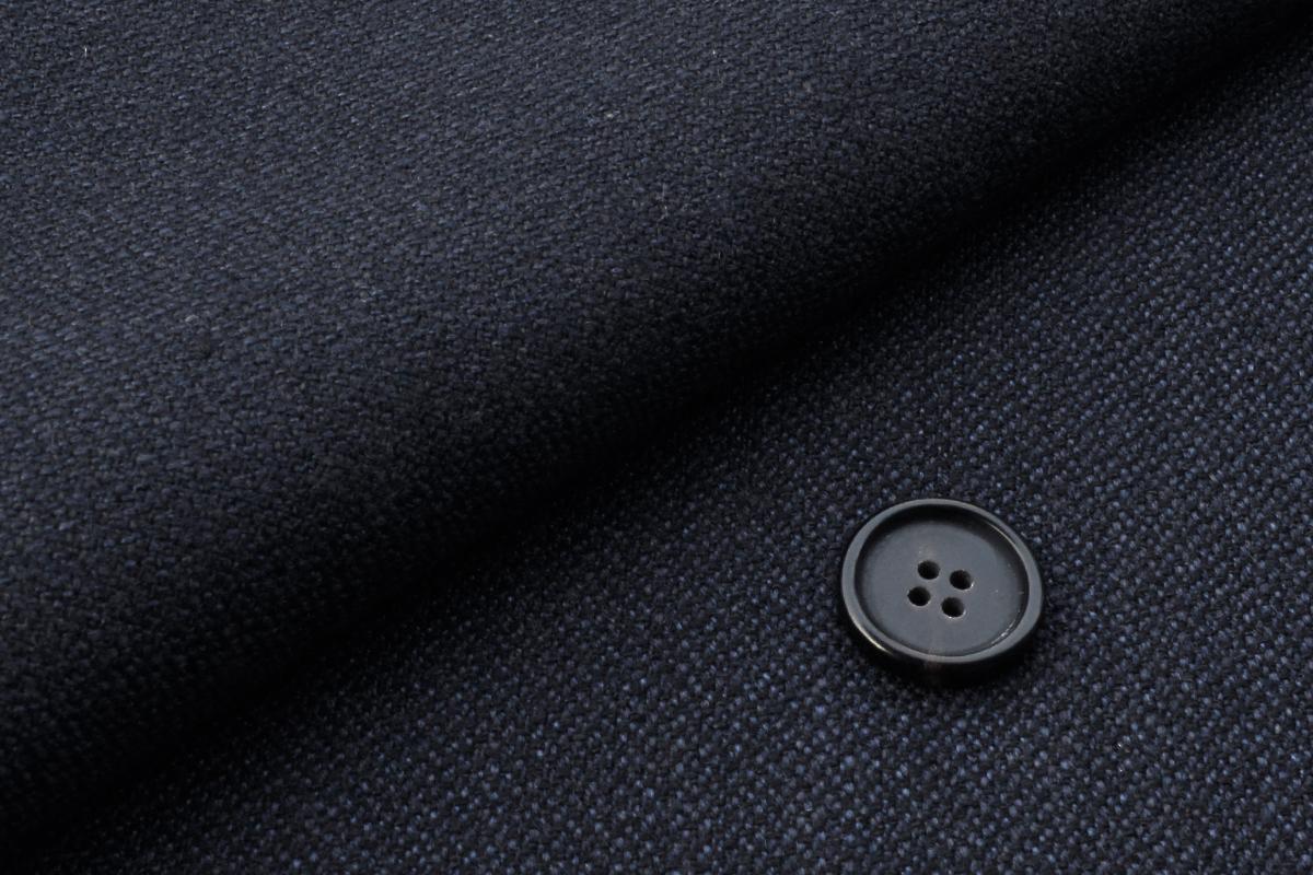 [オーダーレディースジャケット]ウールの優しさが感じられる生地