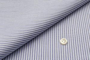 [オーダーシャツ]シンプルなデザインだからこそ、お洒落の幅が広がる。