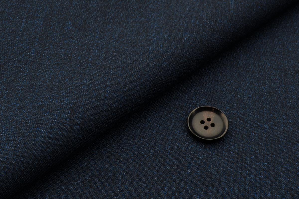 [オーダースーツ]忙しいビジネスマンの強い味方・ストレッチ機能付スーツ!