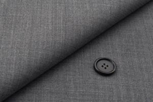 [オーダースーツ]グレーで大人の魅力を演出!シンプル色でお洒落の幅が広がる。