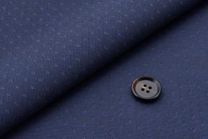 [オーダースーツ]ネイビー生地から見え隠れする模様がお洒落な一着!