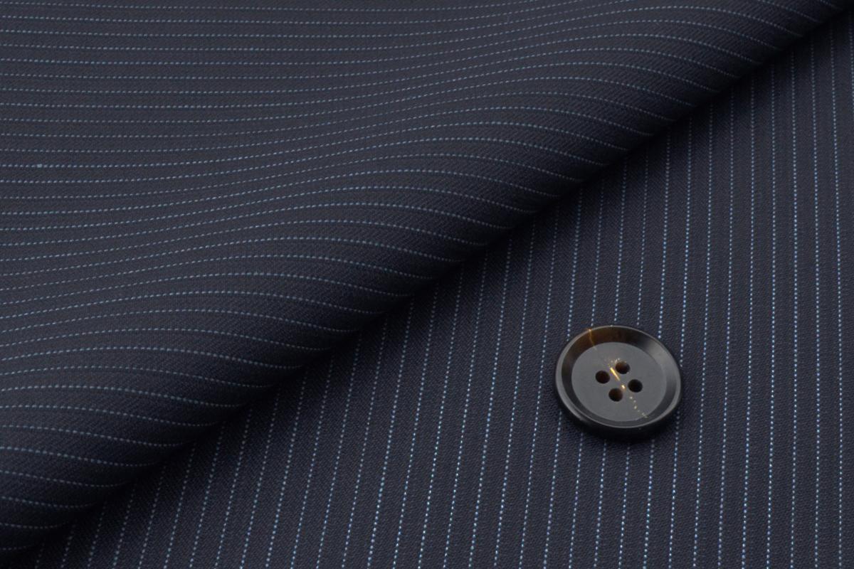 [オーダーレディーススーツ パンツセット]ネイビーにピンストライプ柄をプラスで、上品な一着!