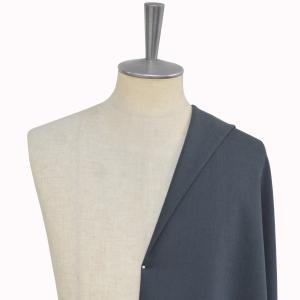 [オーダーレディーススーツ スカートセット]落ち着いた色合いのネイビーで、より知的な印象を。