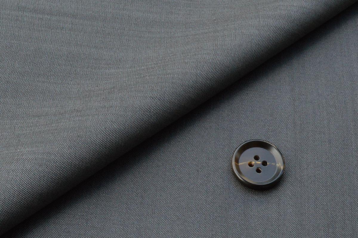 [オーダースーツ]シルク混の美しい艶感で圧倒的な存在感を!