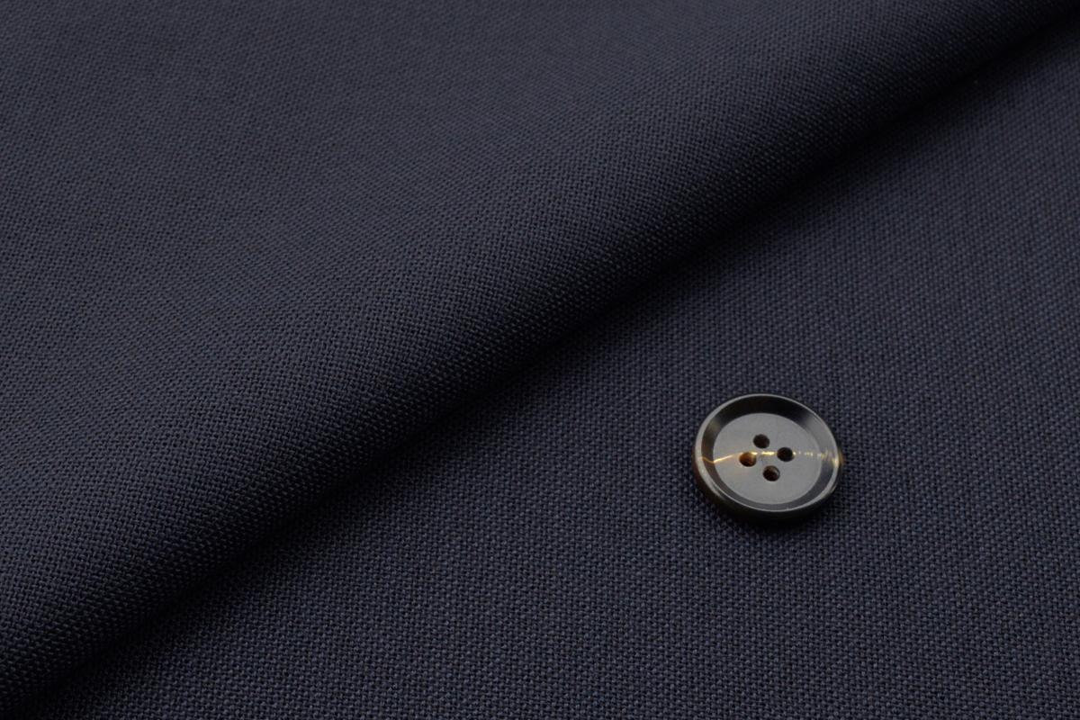 [オーダーパンツ]定番のネイビースーツが夏場のビジネスをサポート!