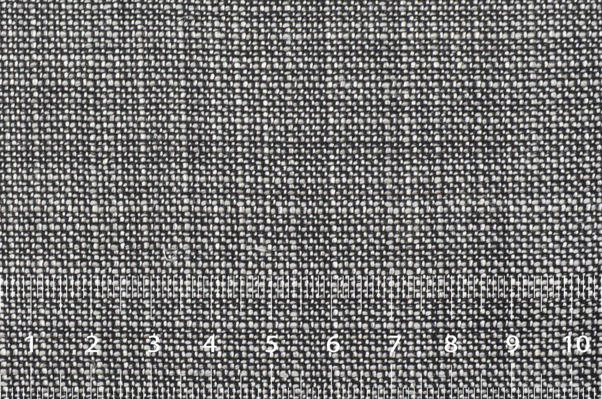 [オーダースーツ]20%のシルクの艶感と肌ざわりが特徴!
