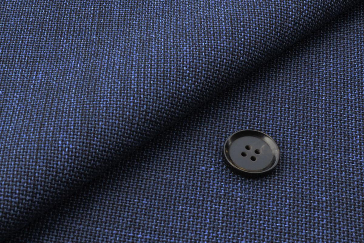 [オーダーベスト]抜群の着心地!羽織る感じでスーツを。