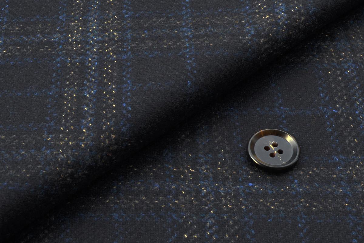 [オーダーコート]カシミア混で柔らかい風合い、冬はこの一着でOK!