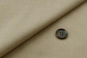 [オーダーレディーススーツ スカートセット]爽やかなベージュ色をコットン100%で。