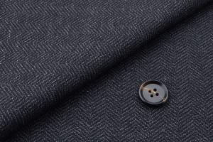 [オーダースーツ]ヘリンボーン柄が上品で魅力的な一着