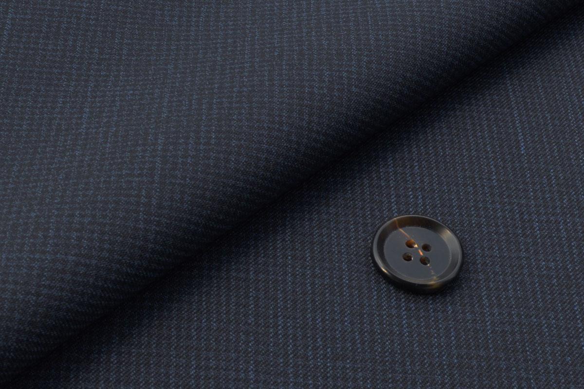 [オーダーレディースジャケット]落ち着いた色合いのチェック柄で季節感を。