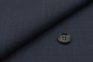 [オーダースーツ]着比べれば分かるストレッチ素材の快適さ!