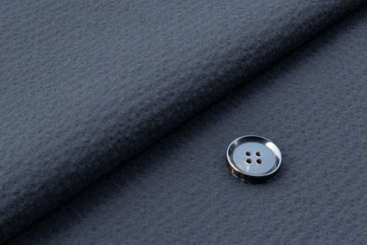 [オーダースーツ]清涼感あふれるブルーで、見た目も涼しく!