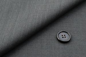 [オーダーレディーススーツ スカートセット]グレーで上品に、アクティブに!