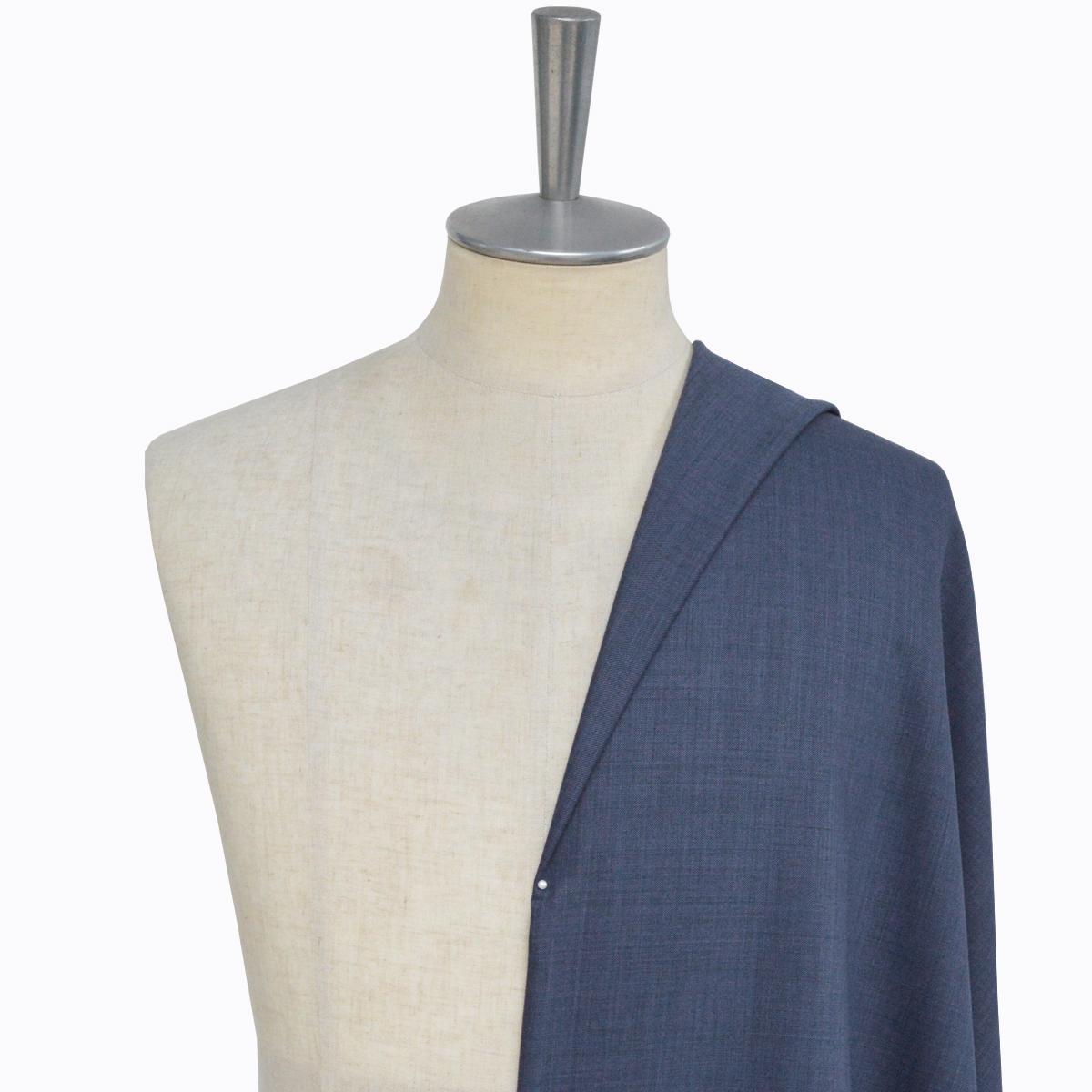 [オーダースーツ]明るめのブルーで爽やかな着こなしを