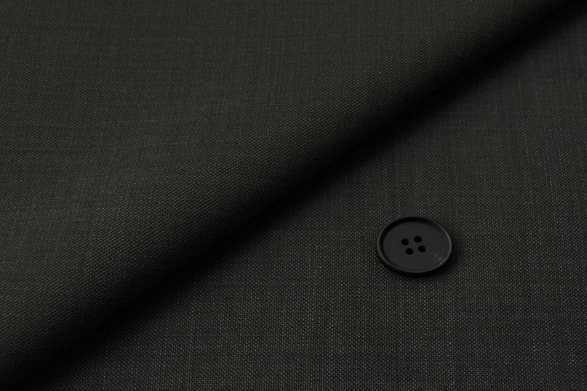 [オーダーレディースジャケット]ブラウンで落ち着いた印象をコーディネート