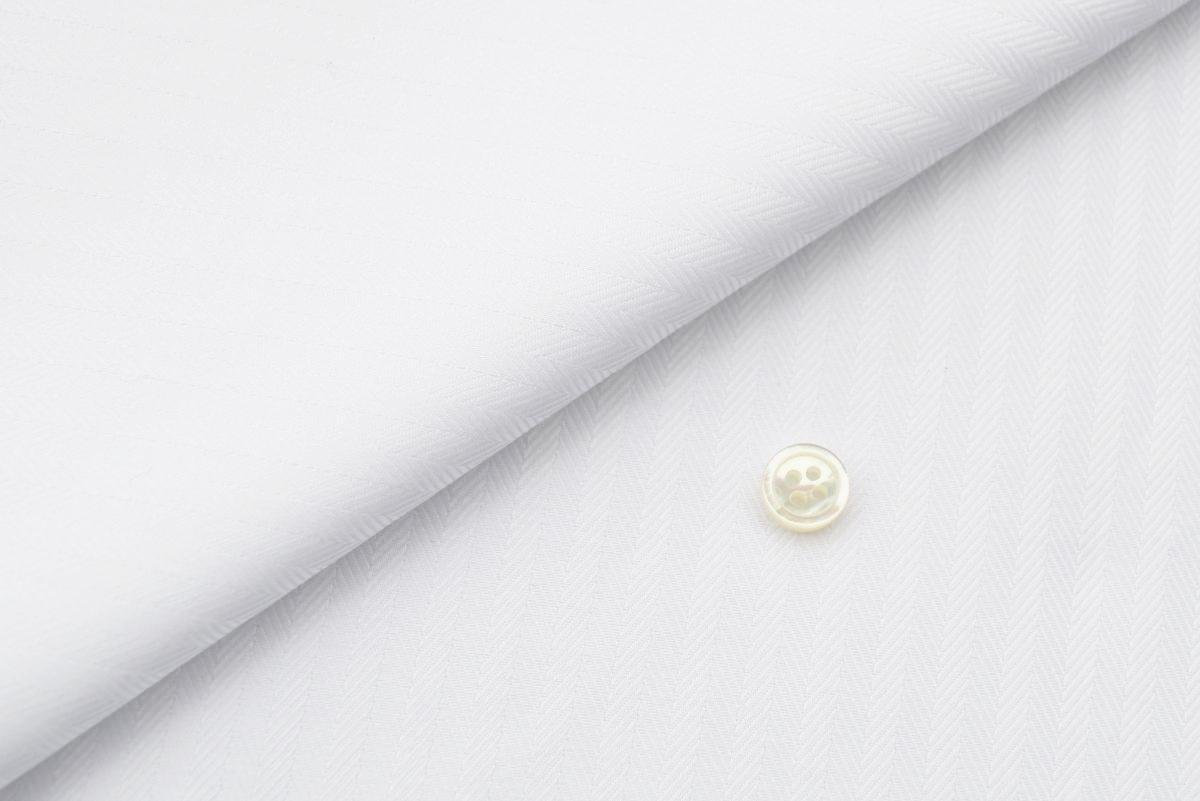 [オーダーシャツ]ヘリンボーン柄×白シャツで上品な雰囲気を。